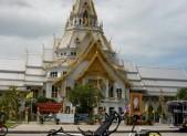 Wat Sothorn Chachoengsao
